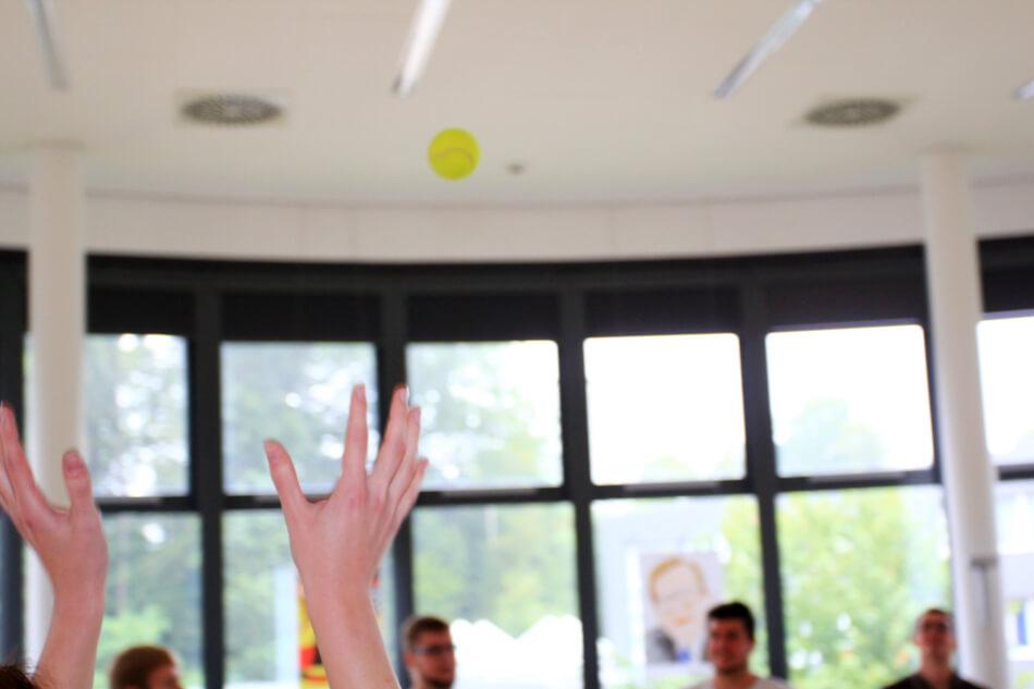 Teambuilding Spiele - Ballkreis